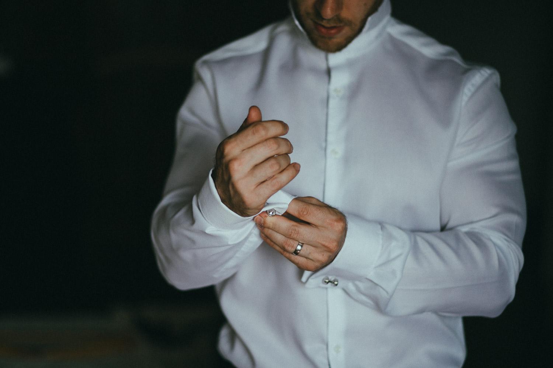16-groom-get-ready.jpg