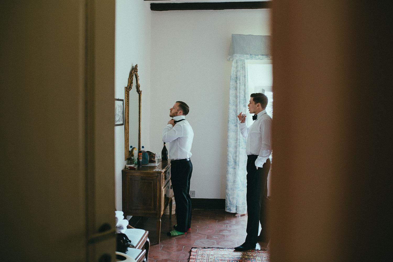 18-groom-get-ready.jpg