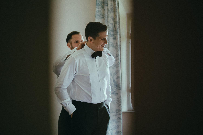 19-groom-get-ready.jpg
