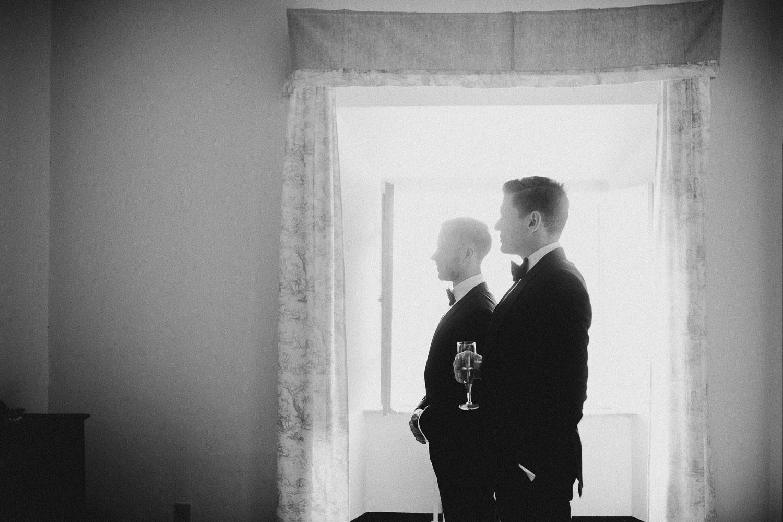 22-groom-get-ready.jpg