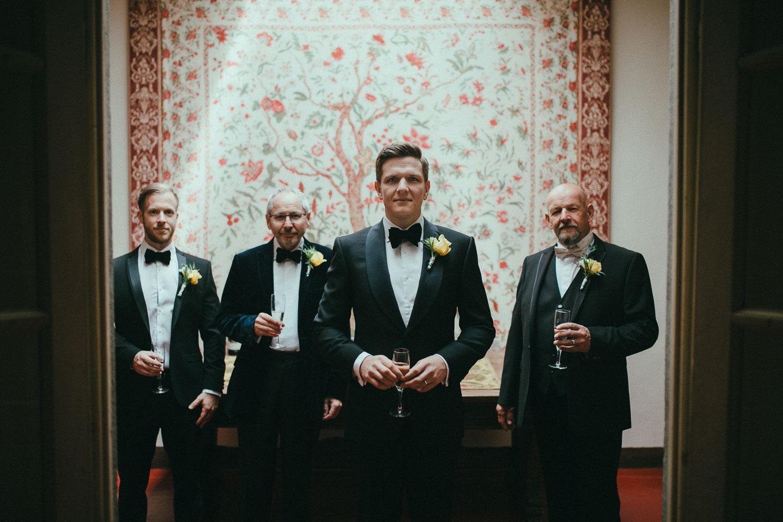 32-groom.jpg