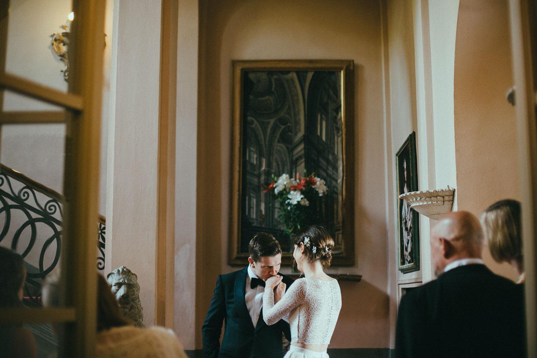 57-birde-groom-italian-villa.jpg