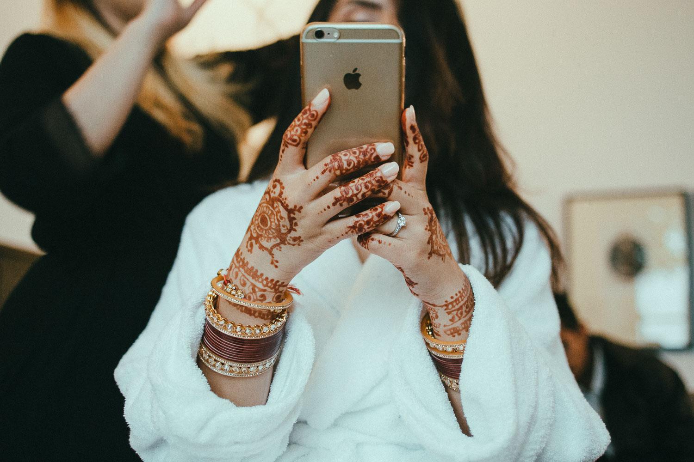 indian-bride-getting-ready (4).jpg