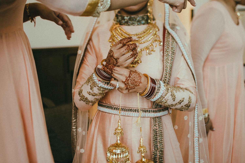 indian-bride-getting-ready (16).jpg