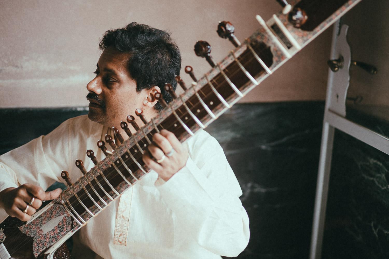 indian-musicians-como-lake-wedding (1).jpg