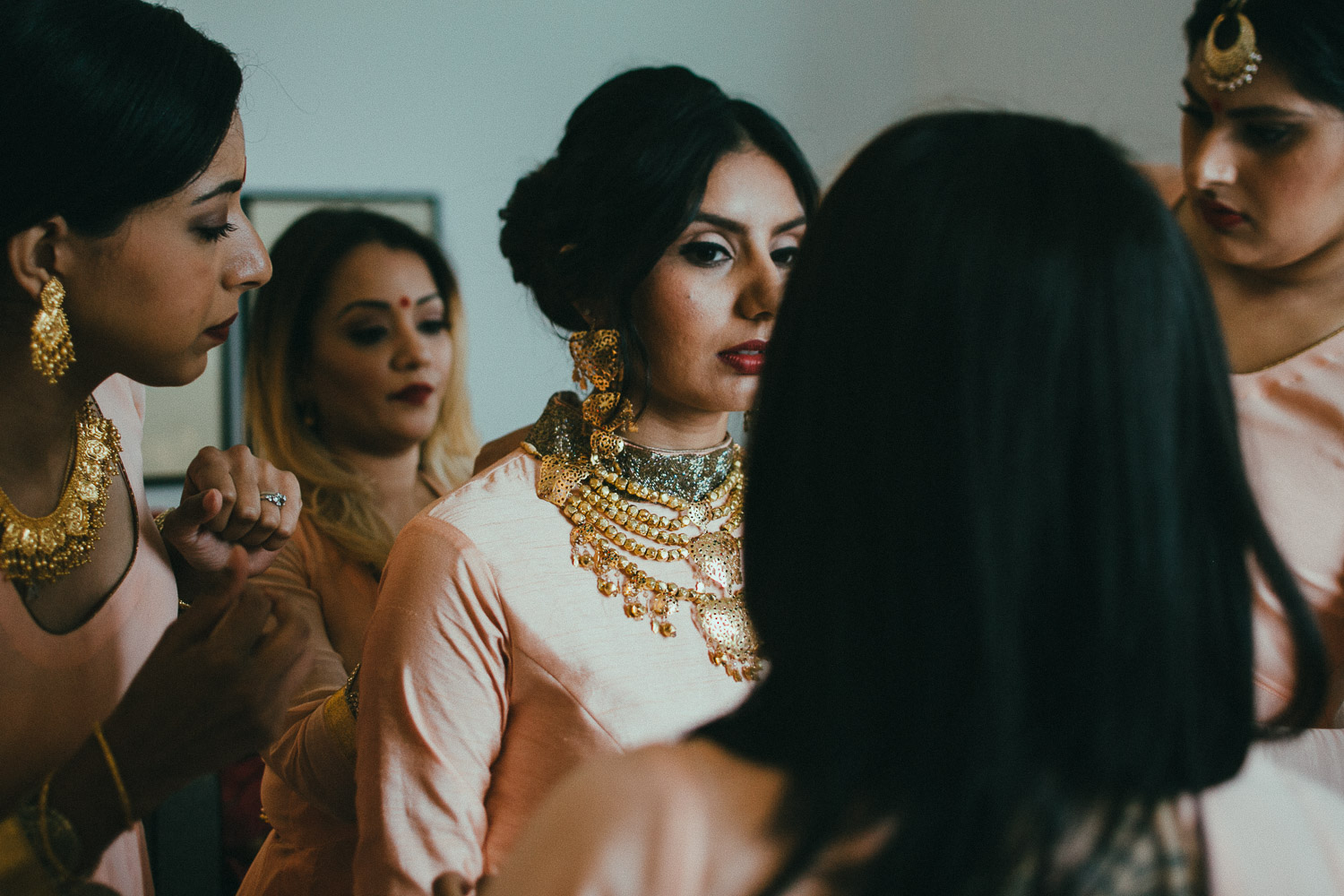 indian-bride-getting-ready (13).jpg