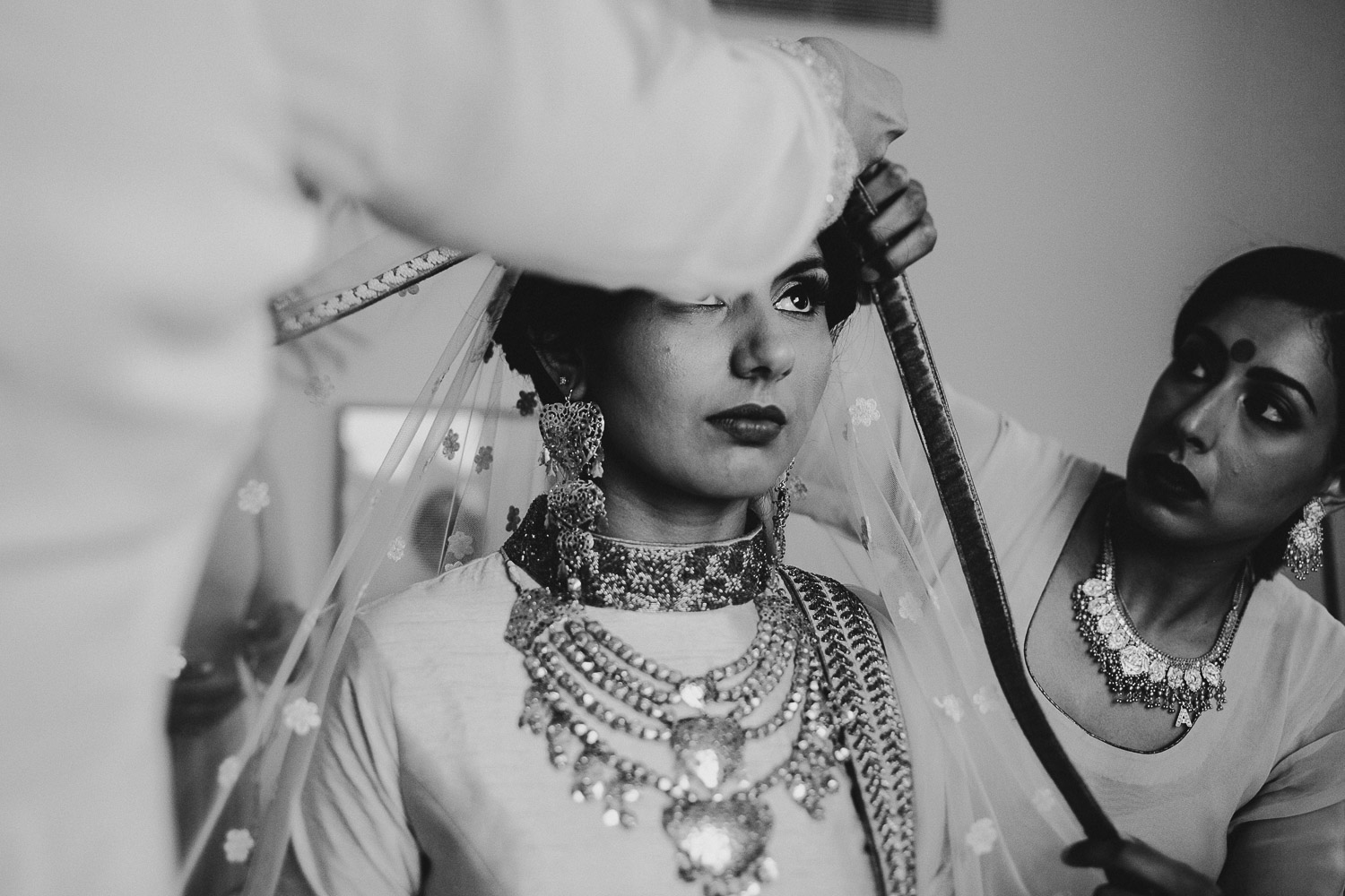 indian-bride-getting-ready (14).jpg