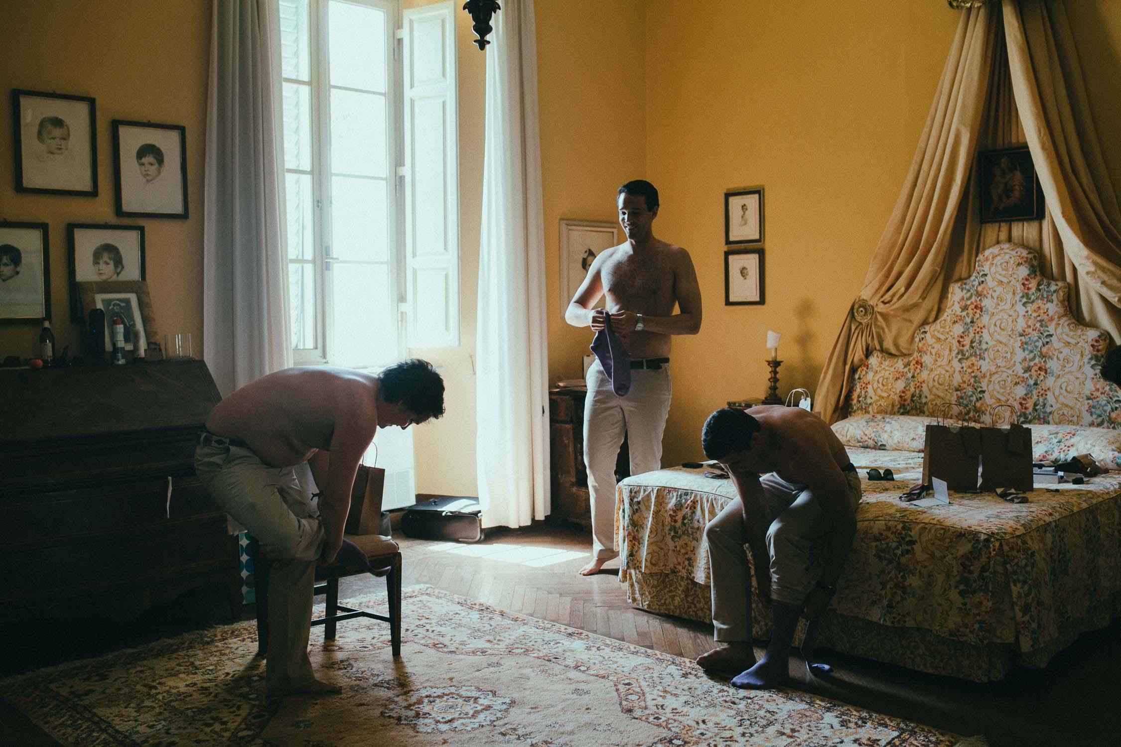 destiantion-wedding-in-tuscany-getting-ready (15).jpg