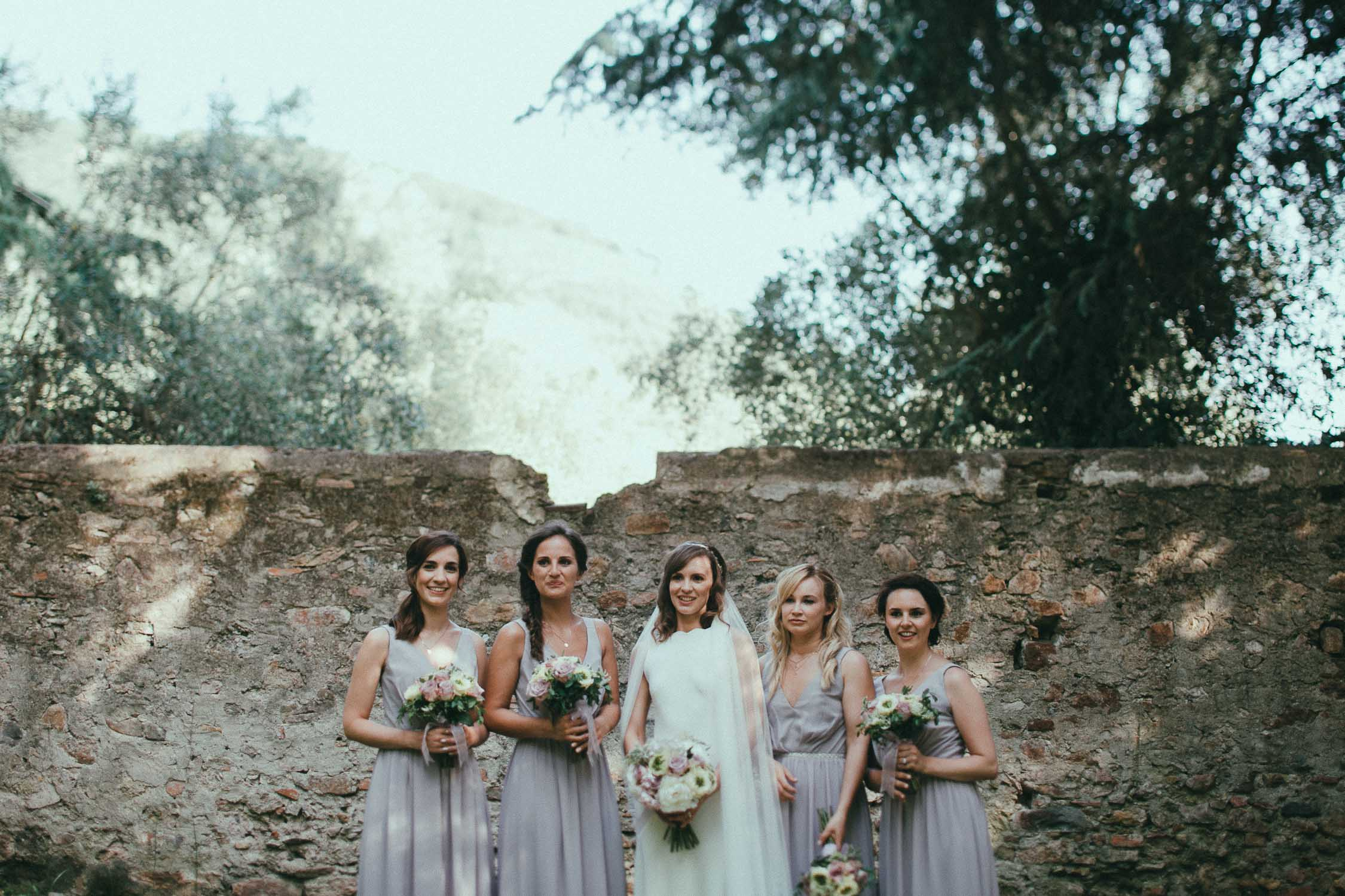 bridal-party-in-tuscany (3).jpg