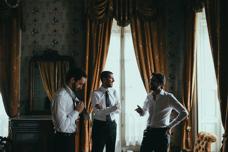 29-groom-getting-ready-friends.jpg