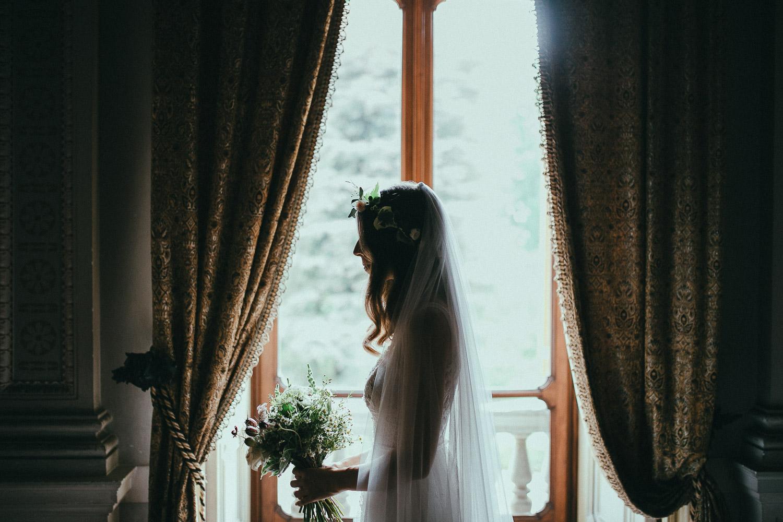 44-bride-portrait-bouquet.jpg