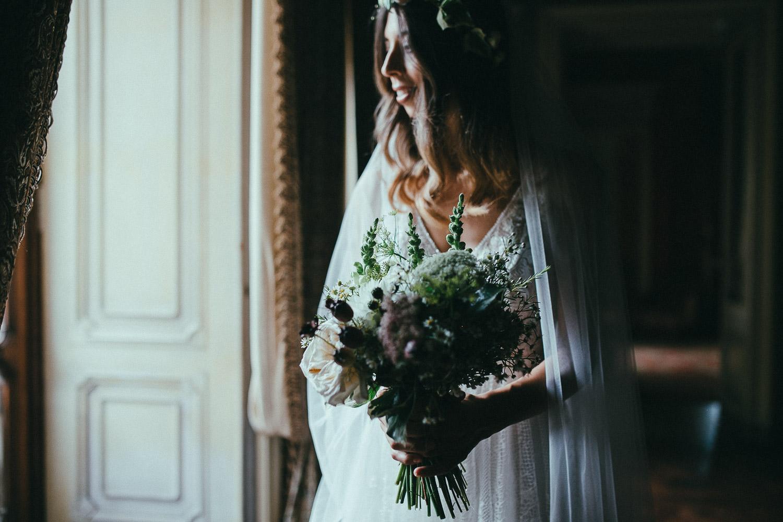 45-bride-portrait-bouquet.jpg