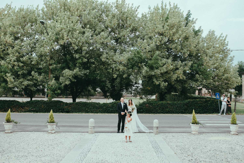 49-bride-father-flower-girl.jpg