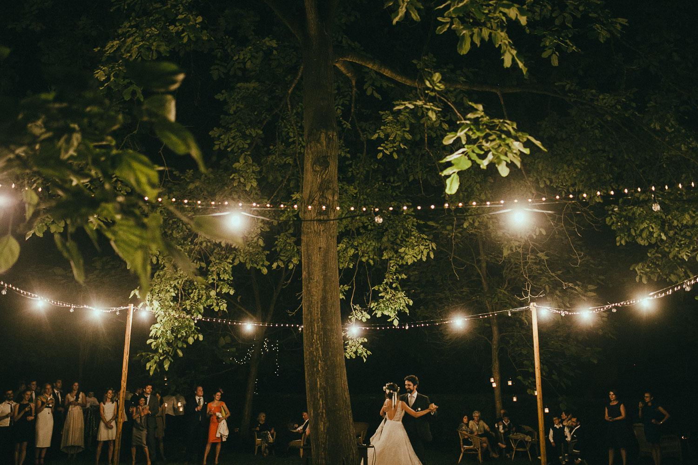 128-bride-and-groom-dancing.jpg