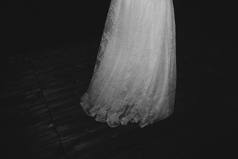 133-bride-dress-detail.jpg