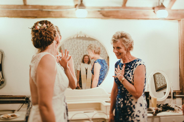 washington-bride-getting-ready (8).jpg
