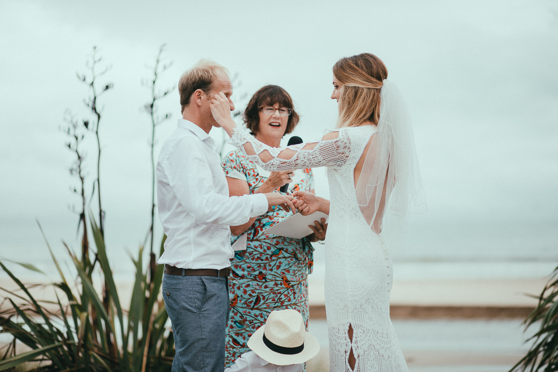 emotional-wedding-new-zealand80.jpg
