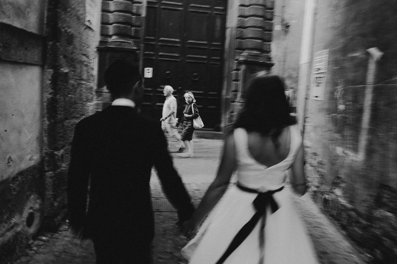 stylish-elopement-photographer-italy (130).jpg