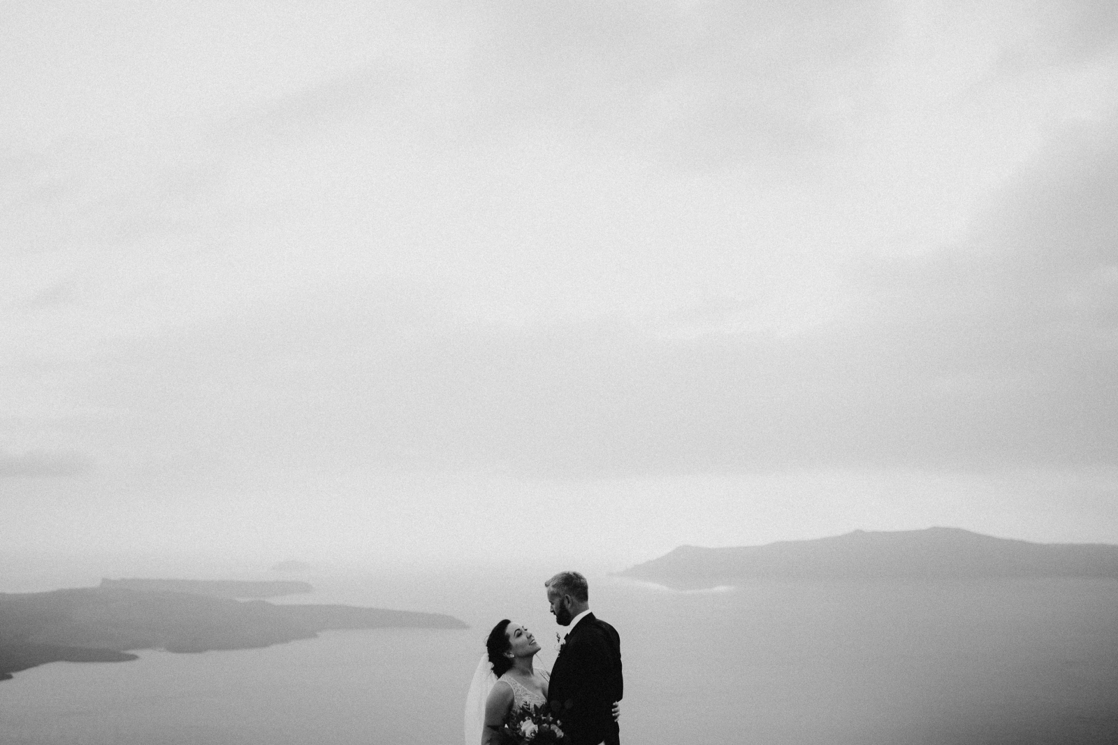 santorini-wedding-photographer73.jpg