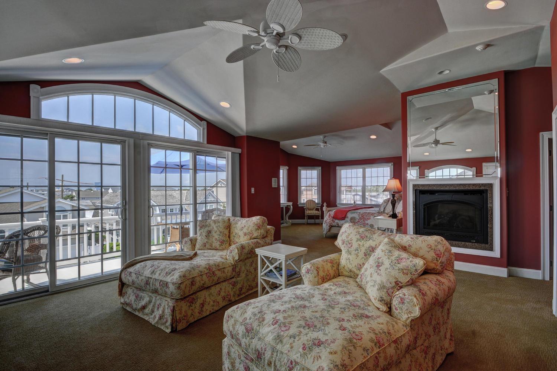 321 16th Street Brigantine NJ-large-022-22-Master Bedroom Sitting Room-1500x997-72dpi.jpg