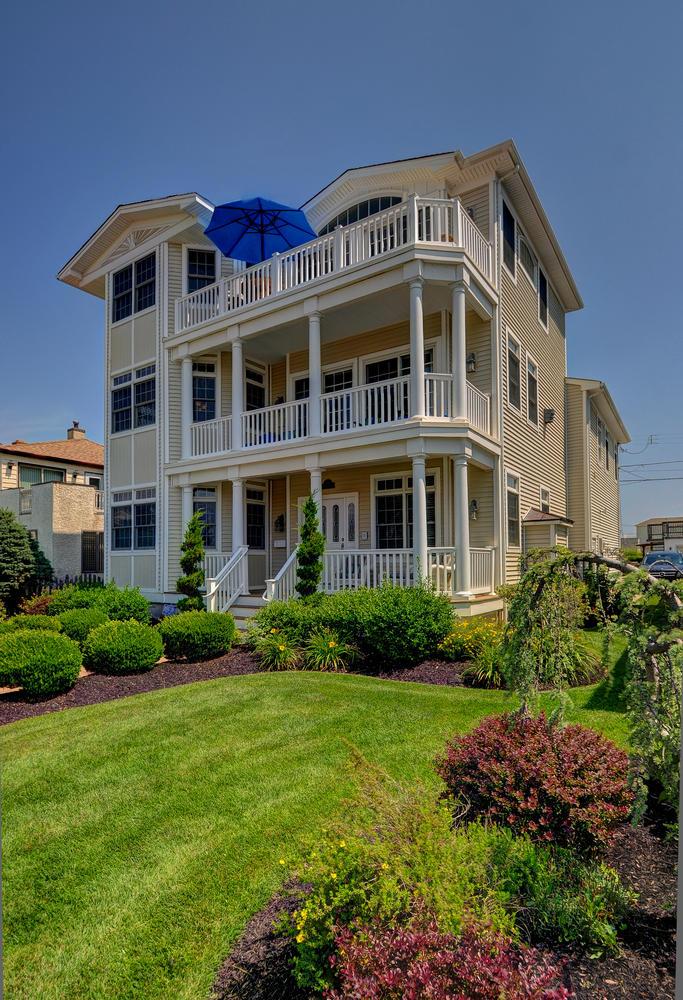 321 16th Street Brigantine NJ-large-002-2-Professionally Landscaped-684x1000-72dpi.jpg