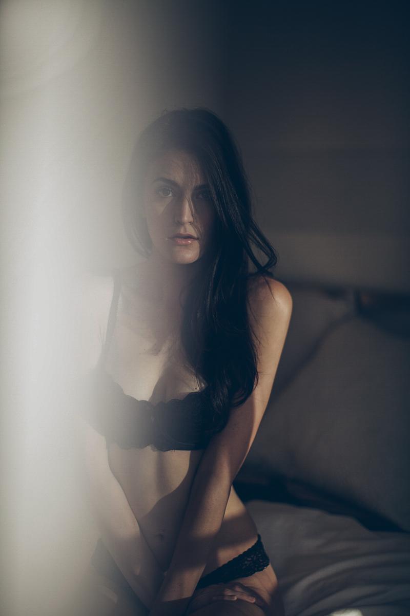 san_francisco_boudoir_photography_kylie_ebony_siovhan_bokeh_photography_01.jpg