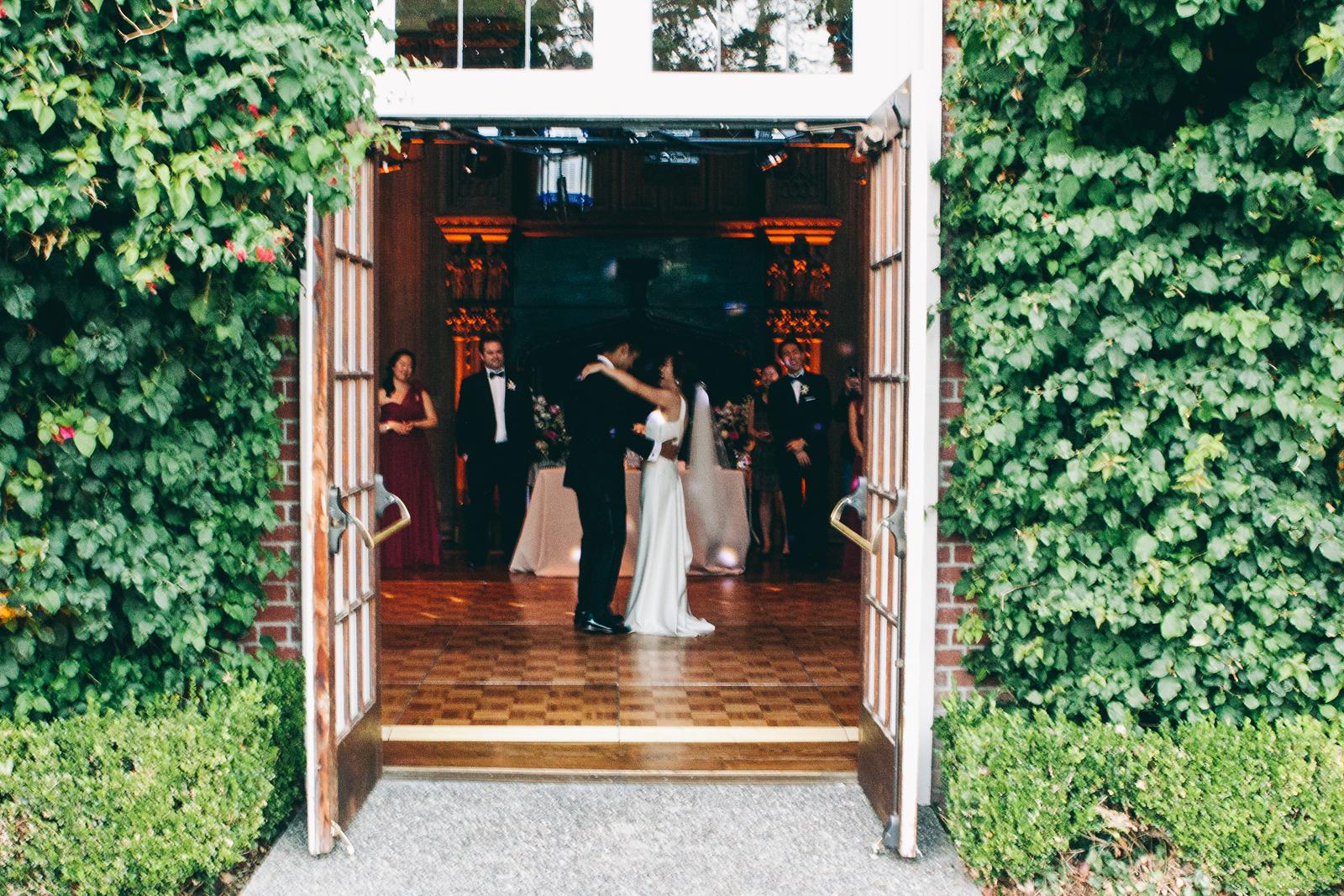 kohl_manison_wedding_photography_sarah_eric_ebony_siovhan_bokeh_photography_085.jpg