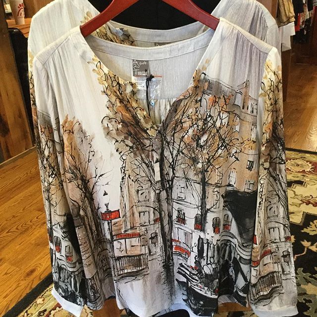 Don't want to spend a lot of money on a new outfit?? Grab your favorite pair of jeans and come get a great top...we can help with that! @dolcezzamontreal #dolcezzamontreal  #greattops #highcountrystyle #highcountrystylewaynesville @brightoncollectibles  #brightonhandbags  #828isgreat #shoplocal #falltops #newoutfit