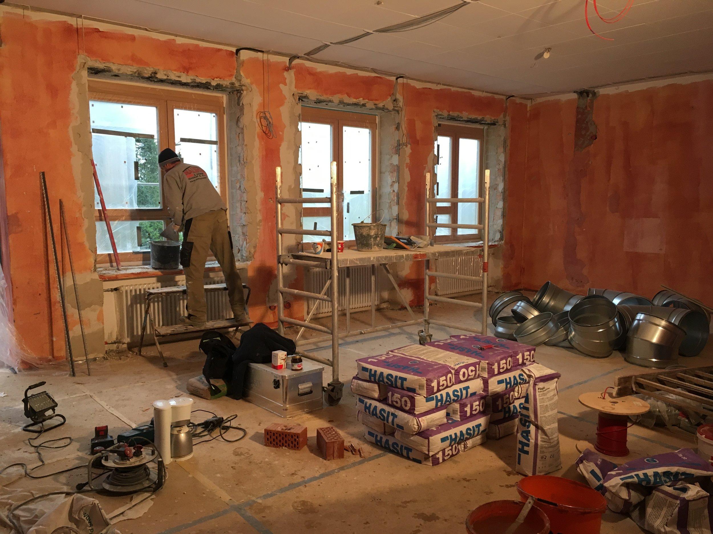 Alle Räume werden innen neu verputzt.
