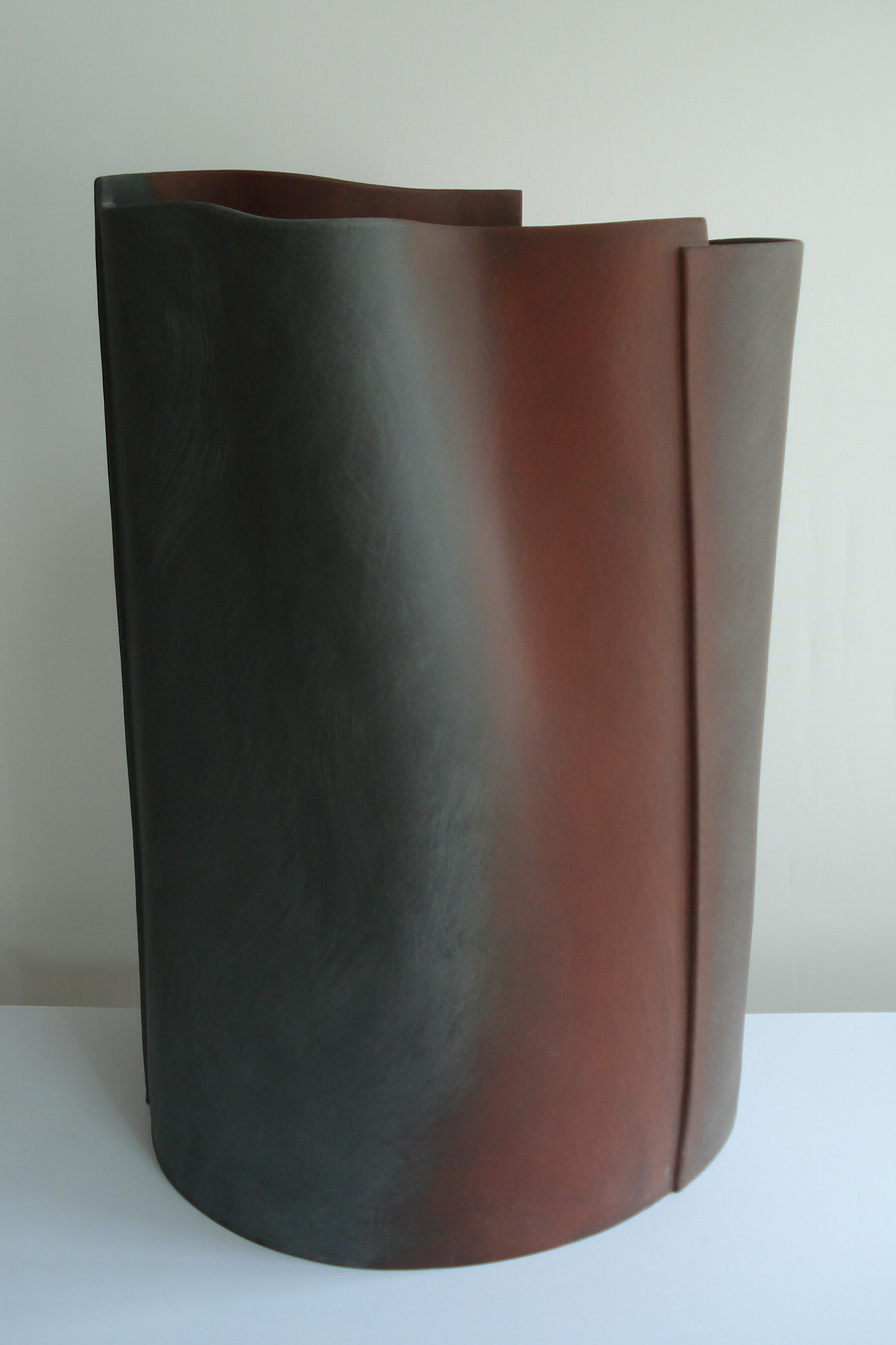 Don't let go, 2005, 71cm high