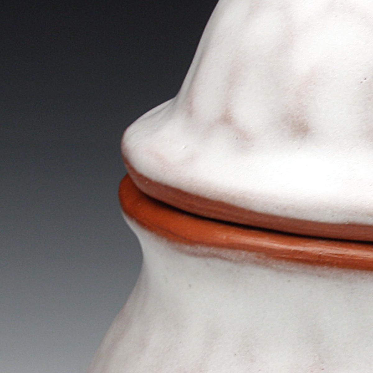 white cream and sugar detail.JPG