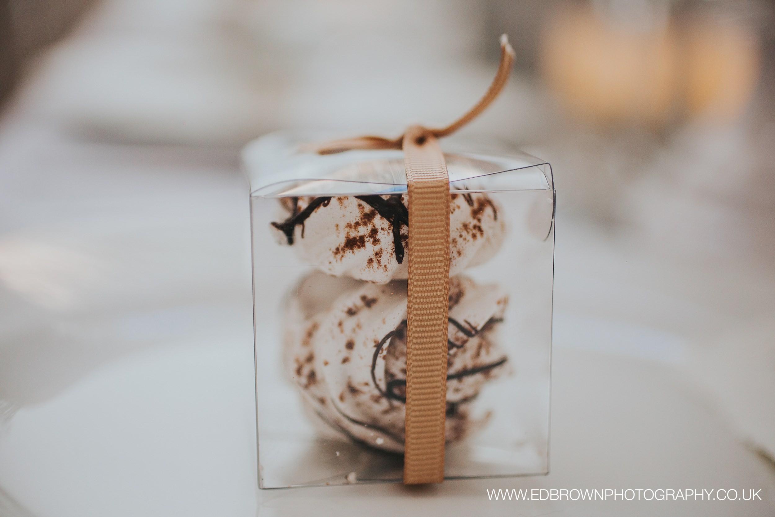 {Styled Shoot Gallery: Wollaton Hall}Creative & Unique Wedding Cakes | Yummy Little Cakes - Nottingham | www.yummylittlecakes.co.uk