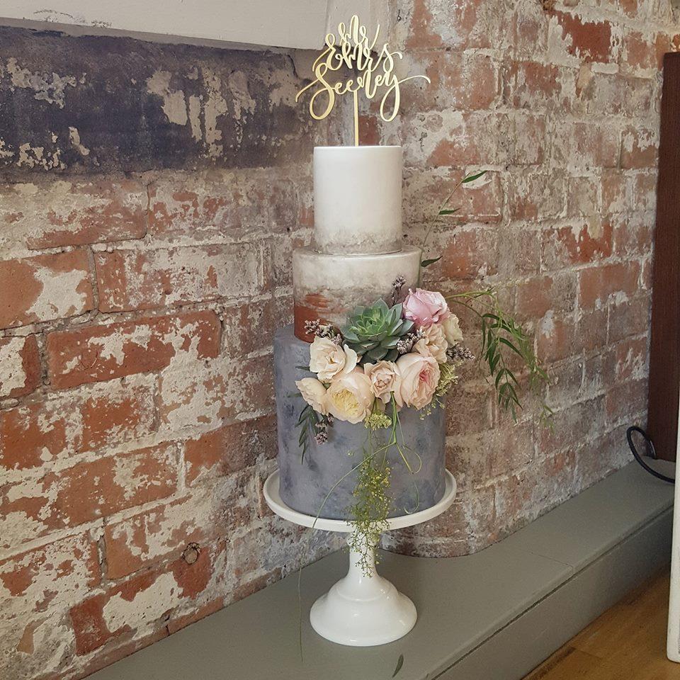 bespoke wedding cakes Nottingham