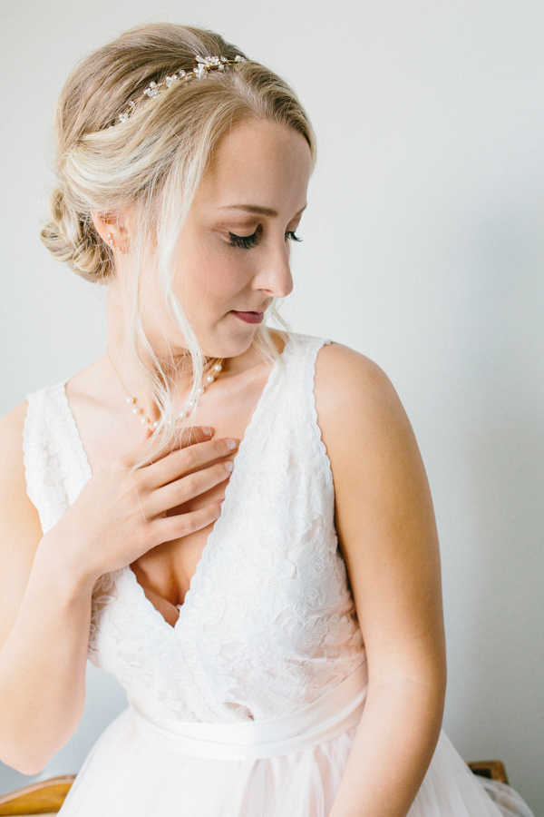 Intimate Backyard Blush Fairytale Wedding | Wenatchee Wedding Photographer | Fine Art Seattle Wedding Photographer | Blush Wedding | Wedding Details | Getting Ready | Bridal Portrait