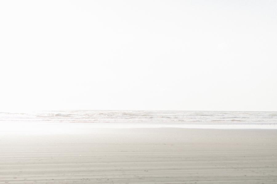 Long Beach Washington Engagement Session | Gorgeous Beach Engagement Session | What to Wear to Your Engagement Shoot | Fine Art Seattle Wedding Photographer | Portland Wedding Photographer | Film Photographer Emma Rose Company-2.jpg