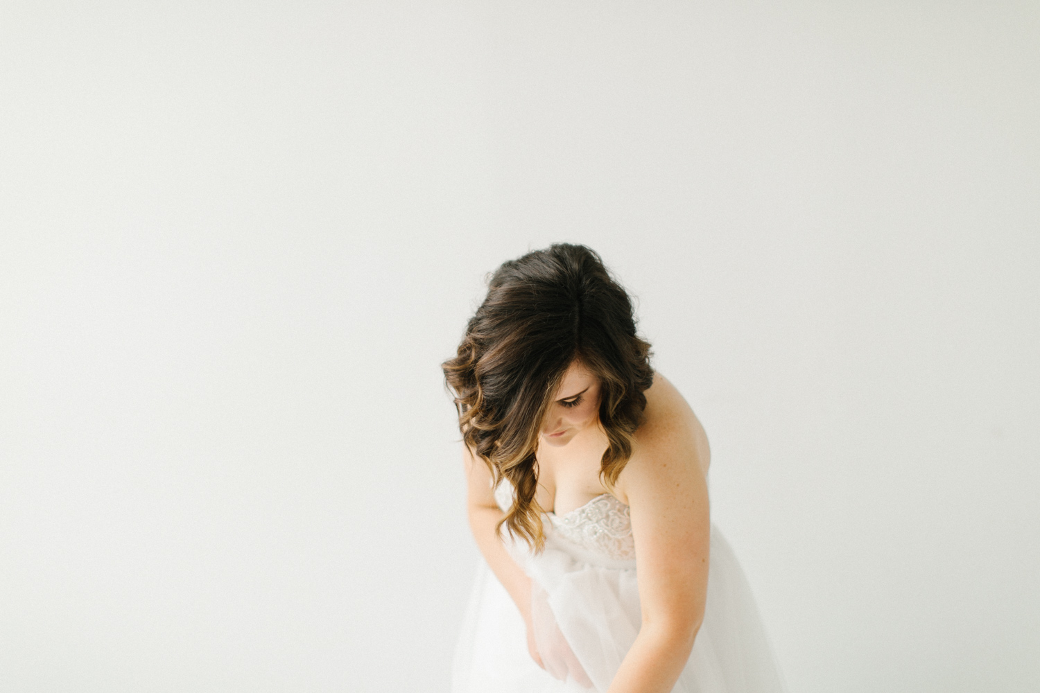Seattle Fine Art Wedding Photographer | Seattle Downtown White Studio Bridal Session | Stunning Wedding Bouquet | Seattle Bride | Seattle Wedding | Photography Studio Space | Emma Rose Company Wedding Photography-12.jpg