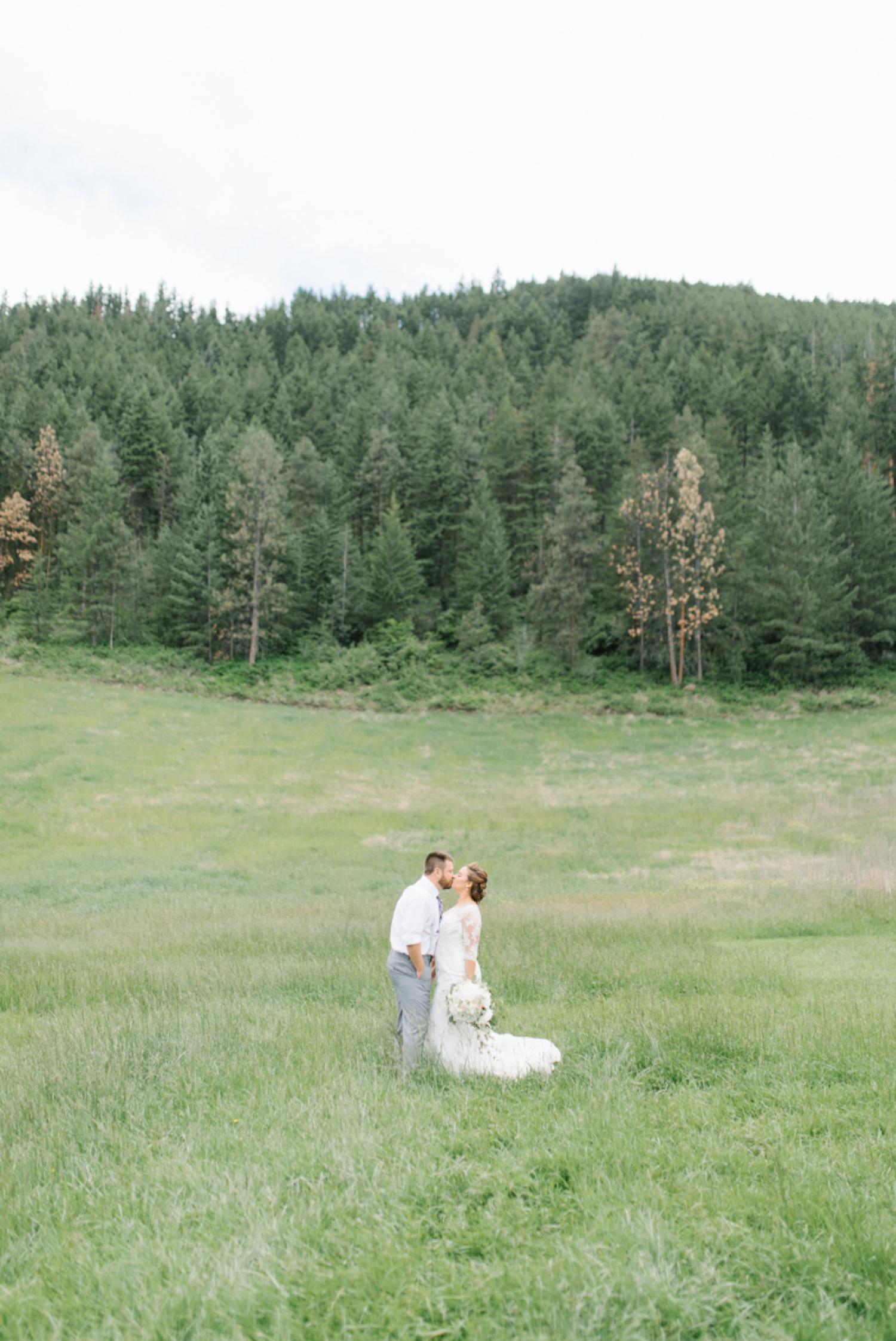 Wenatchee Wedding Photographer   Hampton Hideaway   Summer Rustic Wedding Eastern Washington   Emma Rose Company   Pastel Wedding Inspiration   Lace Wedding   Pacific Northwest Wedding 38.jpg