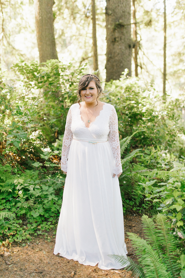 Oceanside Oregon Beach Wedding Details | Mermaid Wedding | Oregon Wedding on the Coast | Oregon Bride | Wedding Details | Bridal Party Portraits | Forest First Look-1.jpg