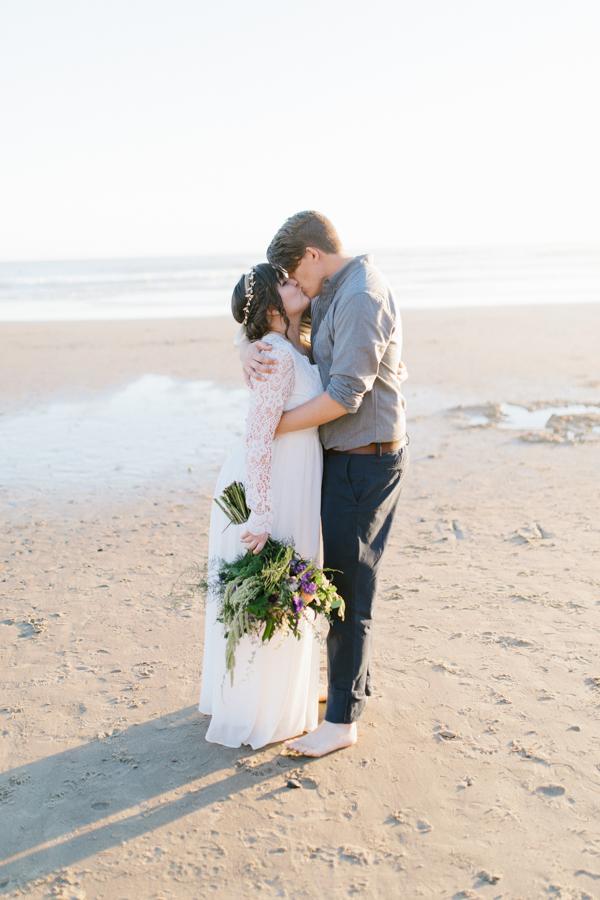 Oceanside Oregon Beach Wedding | Sunset Portraits by the Ocean | Oregon Bride | Oregon Wedding Photography | Wedding on the Beach | Bride and Groom Beach Portraits-1.jpg
