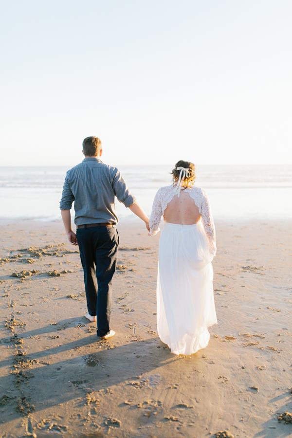Oceanside Oregon Beach Wedding | Sunset Portraits by the Ocean | Oregon Bride | Oregon Wedding Photography | Wedding on the Beach | Bride and Groom Beach Portraits-11.jpg