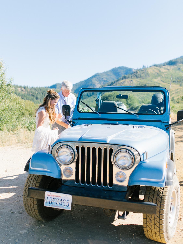 Leavenworth Washington Mountain Top | Wedding | Intimate Wedding Inspiration Outdoors | Pybus Bistro Wenatchee, Washington | VSCO | Simple Wedding | PNW Wedding | Emma Rose Company-24.jpg