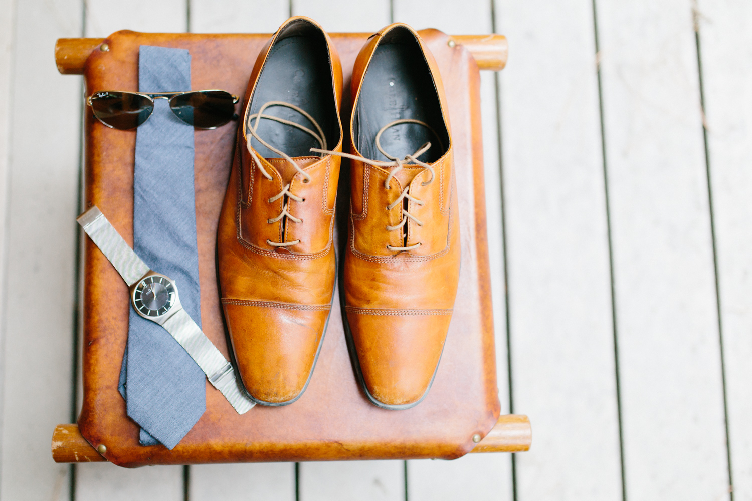 Grey and White Wedding in the Mountains of Leavenworth, Washington | Sleeping Lady | Classic and Timeless Wedding | VSCO | Groomsmen Getting Ready Details.jpg-0030.jpg