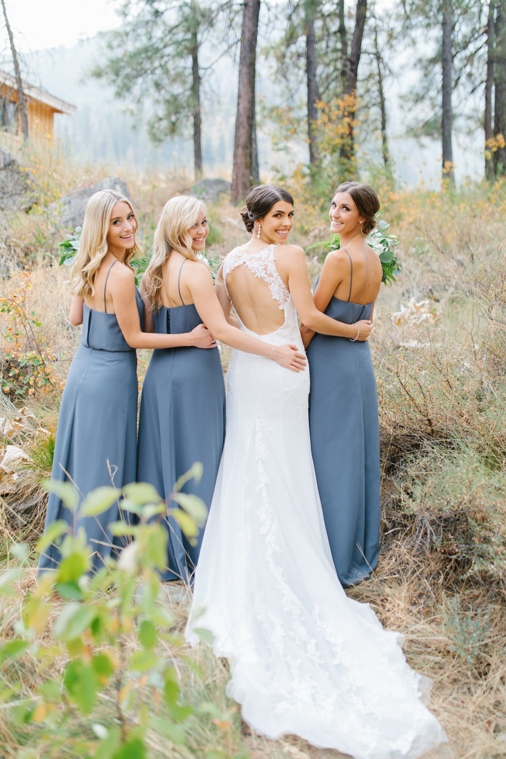 Grey and White Wedding in the Mountains of Leavenworth, Washington | Sleeping Lady | Classic and Timeless Wedding | VSCO | Bride with Bridesmaids | Grey Bridesmaids Dresses.jpg-2239.jpg