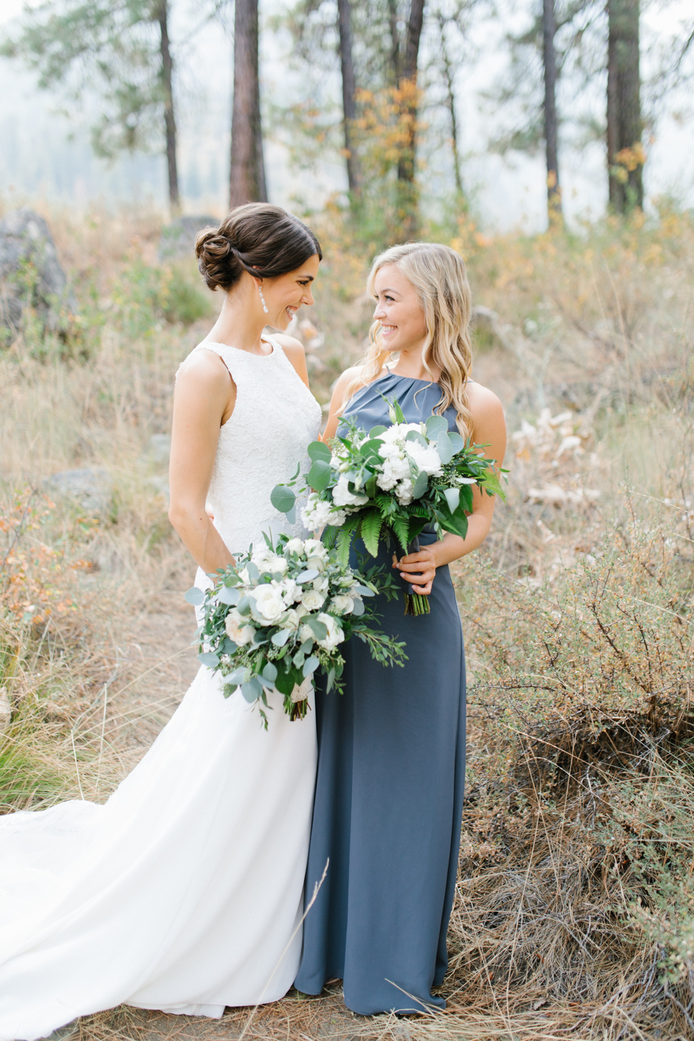 Grey and White Wedding in the Mountains of Leavenworth, Washington | Sleeping Lady | Classic and Timeless Wedding | VSCO | Bride with Bridesmaids | Grey Bridesmaids Dresses.jpg-2292.jpg