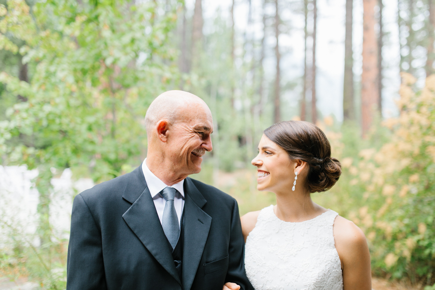 Grey and White Wedding in the Mountains of Leavenworth, Washington | Sleeping Lady | Classic and Timeless Wedding | VSCO | Father Daughter First Look Wedding DAy.jpg-1980.jpg