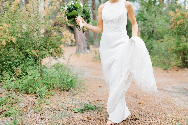 Grey and White Wedding in the Mountains of Leavenworth, Washington | Sleeping Lady | Classic and Timeless Wedding | VSCO | Bridal Portraits Wedding Day.jpg-2025.jpg