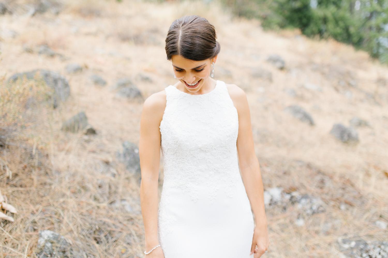 Grey and White Wedding in the Mountains of Leavenworth, Washington | Sleeping Lady | Classic and Timeless Wedding | VSCO | Bridal Portraits Wedding Day.jpg-2134.jpg