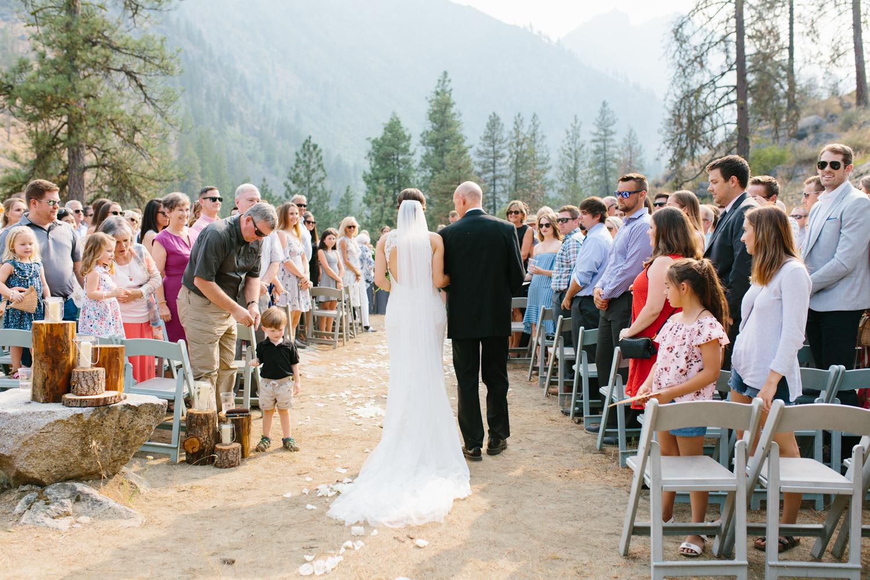 Grey and White Wedding in the Mountains of Leavenworth, Washington | Sleeping Lady | Classic and Timeless Wedding | VSCO | Leavenworth Wedding Ceremony at Sleeping Lady.jpg-0986.jpg