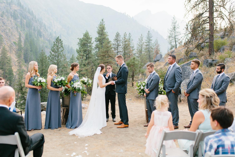 Grey and White Wedding in the Mountains of Leavenworth, Washington | Sleeping Lady | Classic and Timeless Wedding | VSCO | Leavenworth Wedding Ceremony at Sleeping Lady.jpg-1055.jpg
