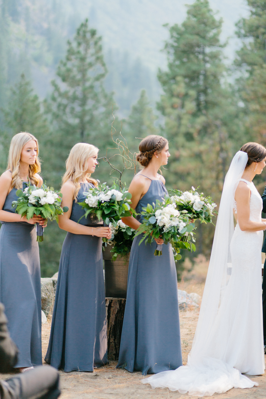 Grey and White Wedding in the Mountains of Leavenworth, Washington | Sleeping Lady | Classic and Timeless Wedding | VSCO | Leavenworth Wedding Ceremony at Sleeping Lady.jpg-1079.jpg